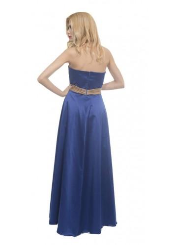 Εντυπωσιακό φόρεμα με ουρά