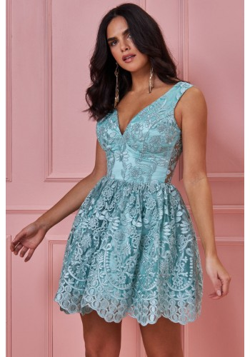 Ονειρικό Φόρεμα με κεντητή δαντέλα