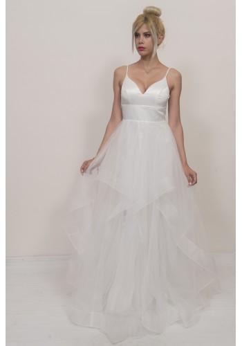 Νυφικό φόρεμα με ασύμμετρο σχέδιο